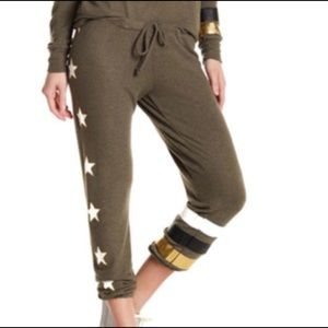 """Chaser Olive Army """"Peace"""" Sweatpants in Small"""